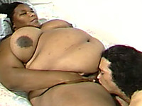 Super fat ebony whore gets her thick pussy expertly eaten out