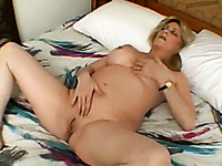 Sex-starved mature whore gives young man a nice blowjob