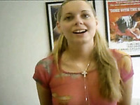 Shiny blonde webcam teen fills her cunny with baseball bat