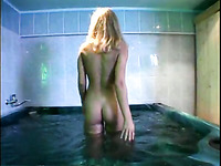 Some mind-blowingly hot fucking in a hot tub for you to enjoy