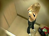 Voyeuring Teens and coeds in dressing room