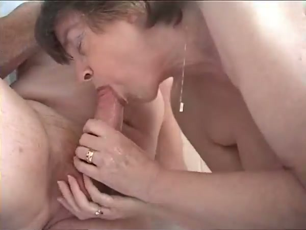Oral sex in the shower