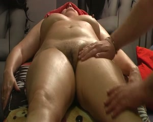 wifes-erotic-massage-black-aunty