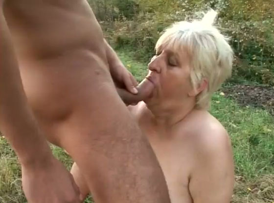 This Mature Bbw Bitch Wants To Be A Sex Slave For Young -5564