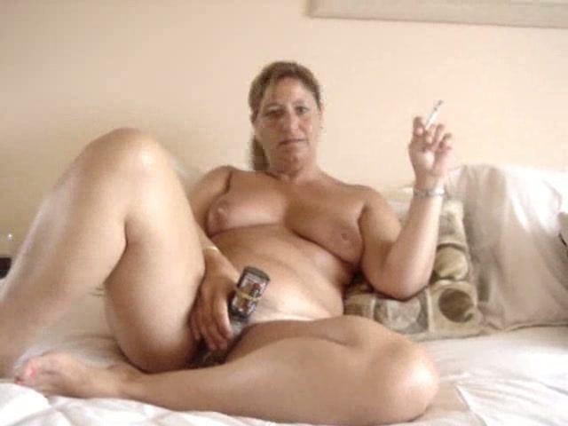 Mature And Chubby Woman Masturbating And Smoking On Cam -1504