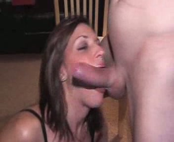 cock sucking Happy wife amateur