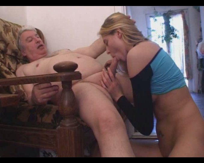 Rita lets an old man eat her pussy, then gives him a blowjob - Mylust.com