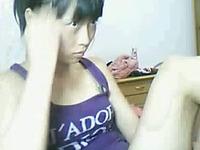 Thai teen slut chick finger fucks her own wet fanny