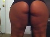 Bootylicious GF shakes her big ass actively making her ass cheeks clap