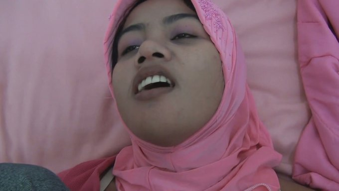 Cute Asian Babe In Hijab Fucks In Missionary Style -7436