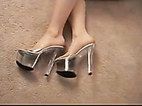 Mature slut in high heel shoes gives me a nice footjob