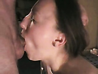 Amateur deepthroating my my girlfriend looks better than porn