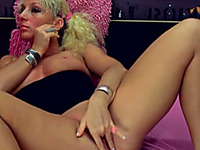 Charming Russian blonde babe on webcam with tasty pussy