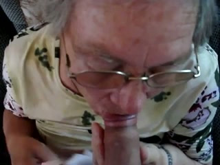Granny liebt den Blowjob