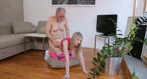 porn-sex-old-man-hot-babe-shemales-giving-oral