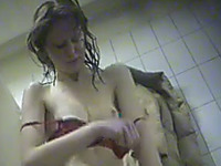 This chick has no idea she is being secretly filmed in the changing room