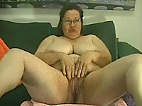 Mature and happy white fat bitch on webcam pleasing herself