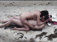 My buddy peeks on amateur couple fucking outdoors on the beach