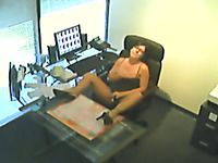Slutty bootycliious amateur brunette secretary masturbated at work