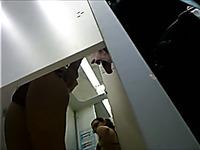 Enjoy my hidden cam vid of bootyful girlie in the changing room