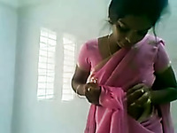 Amateur Indian nympho was nailed missionary style in private sex tape