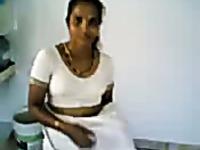 Indian amateur housewife showed off her natural tits on camera