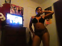 Sexy ebony slut dancing seductively in amateur video