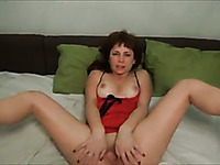 Dark haired amateur housewife was more than ready to suck sloppy cock