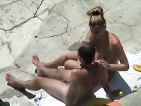 Kinky dude wanted to fuck his blonde GF from behind while sunbathing