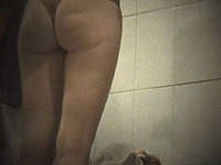 White lady with thick booty filmed from behind on hidden cam