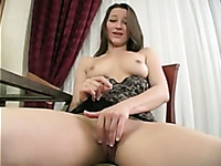 Dark haired cam nympho flashed her nice big boobs and cunt on the chair