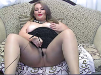 Chunky amateur MILFie housewife turned me on with her kinky solo