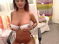 This webcam model deserves compliments and her big juicy boobs are great