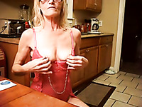 Love seeing this kinky slut wearing nipple clamps and this slut gives good head