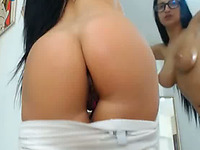 Would be amazing to see this curvy babe doing hardcore stuff on webcam