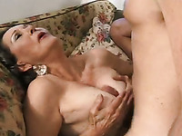 Mature slutty lady gets her old cunt banged missionary style (FMM)