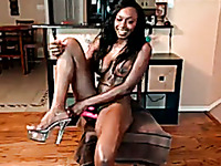 This ebony babe loves to wear fuck me heels and I love her solo sessions