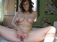 Fucktastic chubby nerd with big tits masturbates on webcam