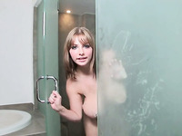 Watching my big boobed GF shower is hot and she would be an incredible fuck
