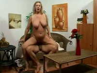 Love a mature woman that knows how to fuck and this lady fucks like mad