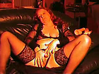 Horny mature cougar dildoing herself in the middle of the night