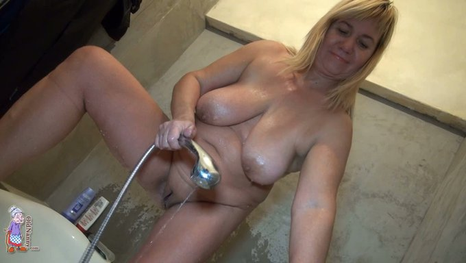 Fat hucow in the shower naked not