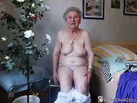 OmaGeiL Grandmas Captured Naked in Compilation