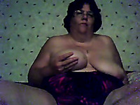 Kinky fat grannie tries to satisfy her insatiable cunt