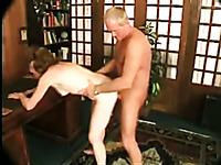 Mature amateur couple fucks doggy style to reach orgasm