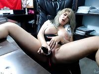 Big tits blonde MILF camgirl masturbating on webcam