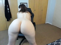 horny stepmom twerking and spreading ass on webcam