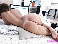 Amateur wonder milf masturbating her creamy pussy and cum