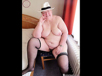 OmaGeiL Collected Hot Pics of Amateur Grannies