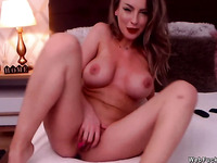 Beautiful fake big tits camgirl